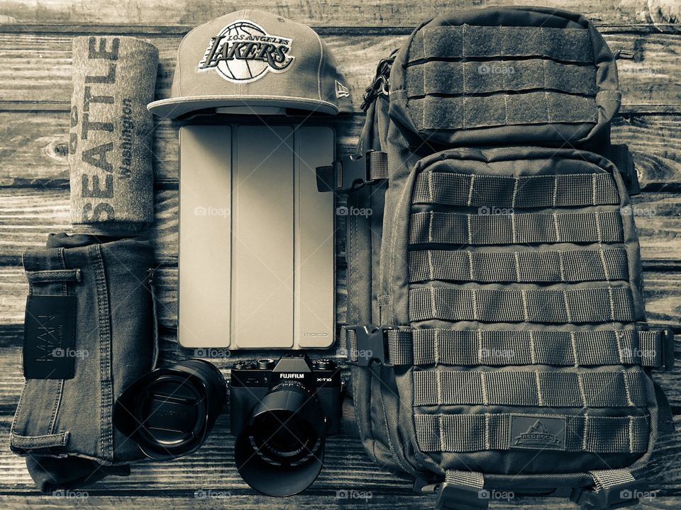 Suitcase For Holiday, Backpacking Around The World, Traveller Layout, Backpack For Vacation, Camera Equipment Packed