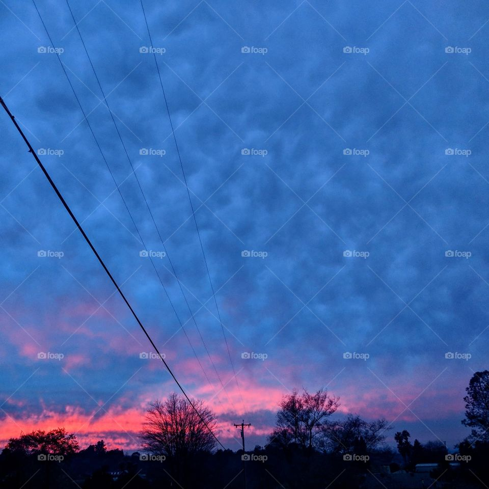 Cloudy blue and pink Californian sunset, promising cool air and perhaps even a bit of rain.