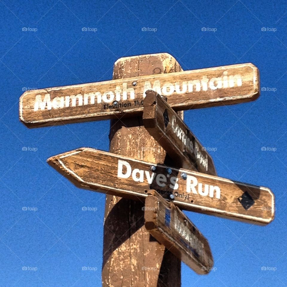 Directional sign at Mammoth