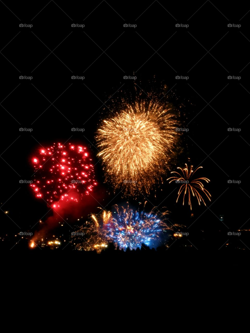 fireworks . tonight party