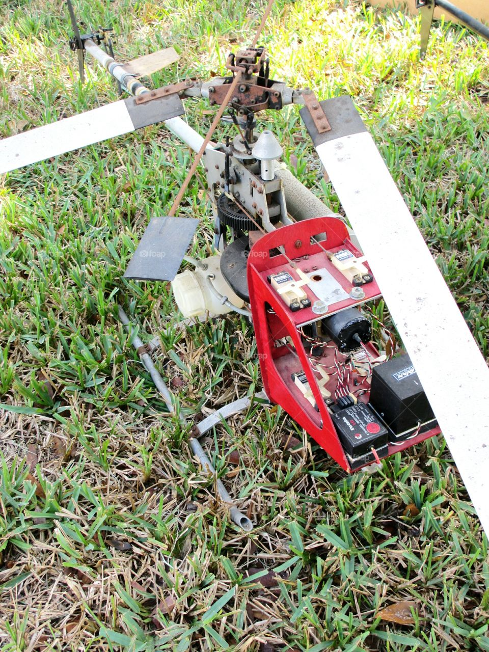 retro drone, radio controlled helicopter