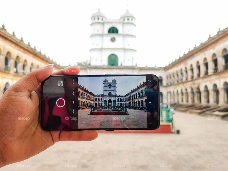 Ready to capture this beautiful architecture