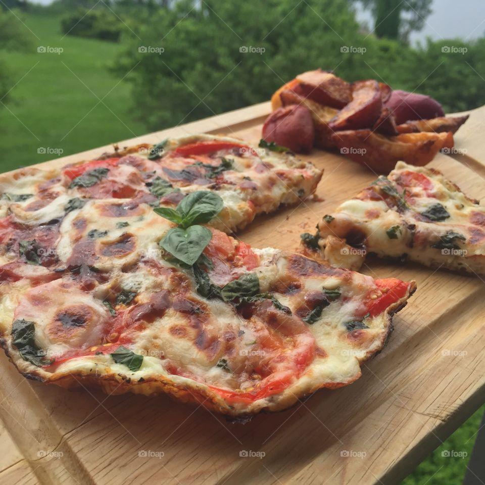 "Caprese Egg White ""Pizza"". Breakfast the right way"