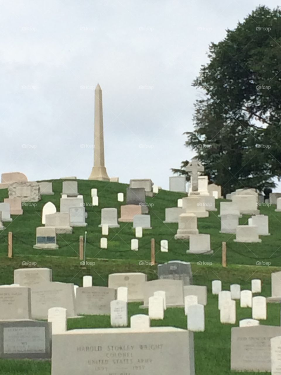 Washington Monument overlooking Arlington cemetery