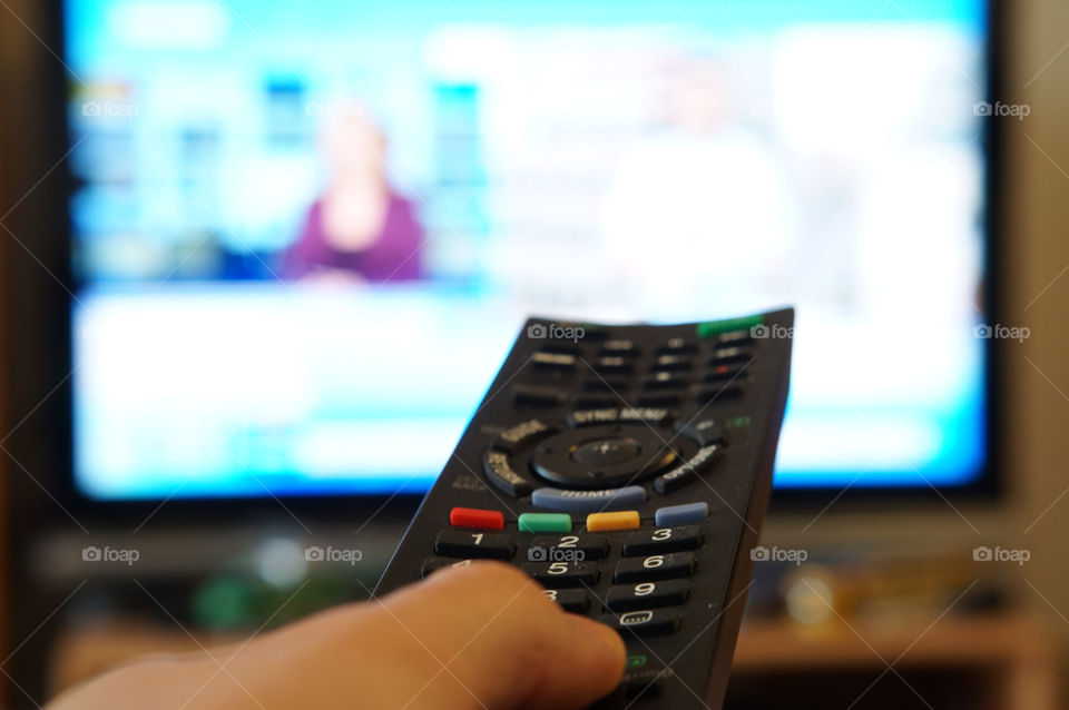 sony clicker hand tv by lexlebeur