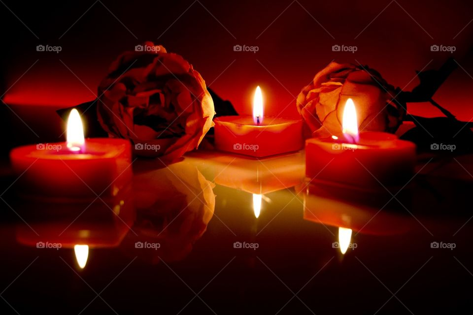 Candlesand flowers