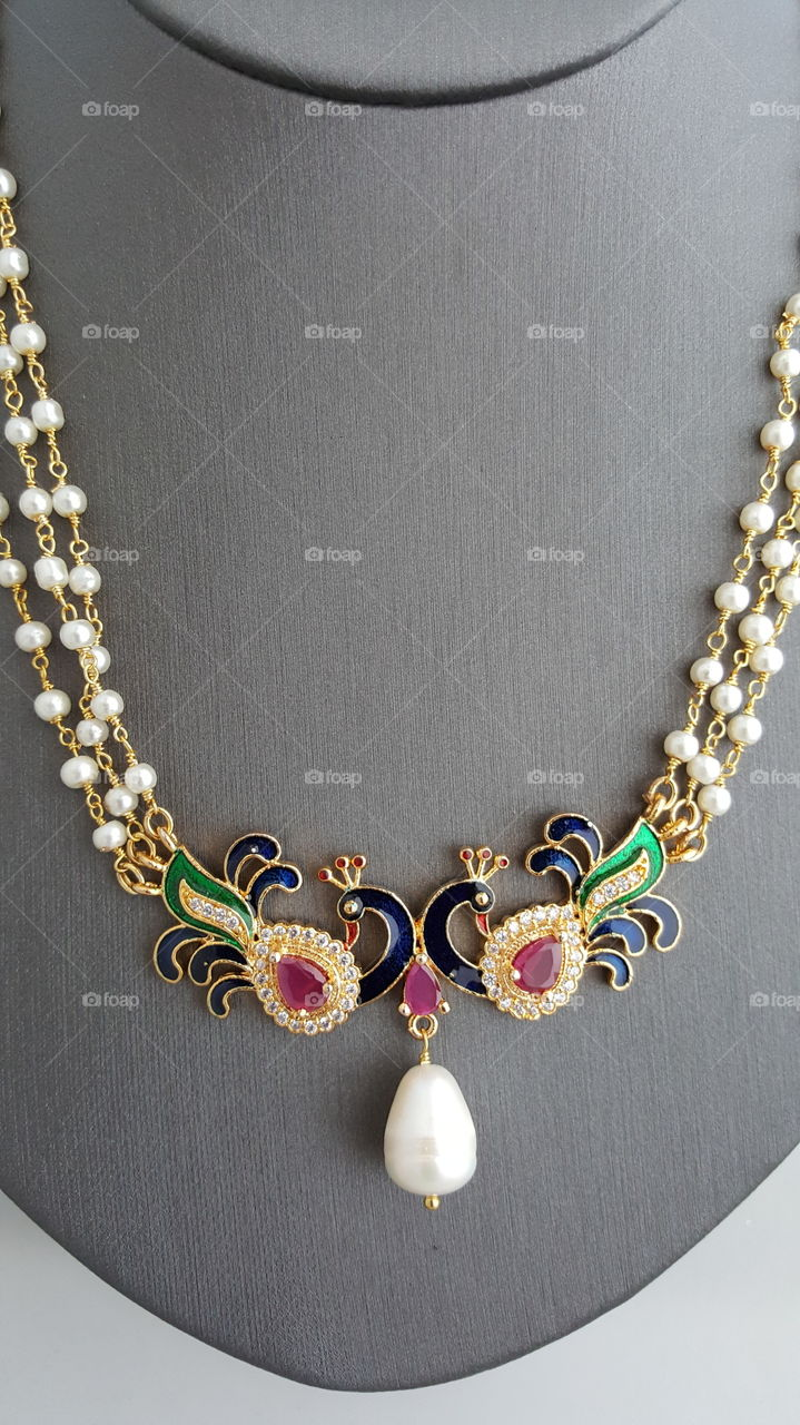 peacock necklace studded with diamonds