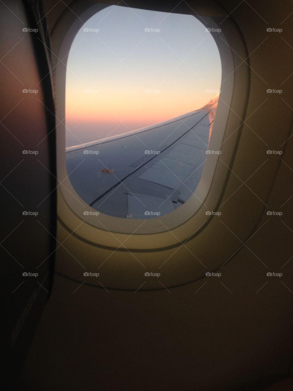 through the skies ( Por los cielos )