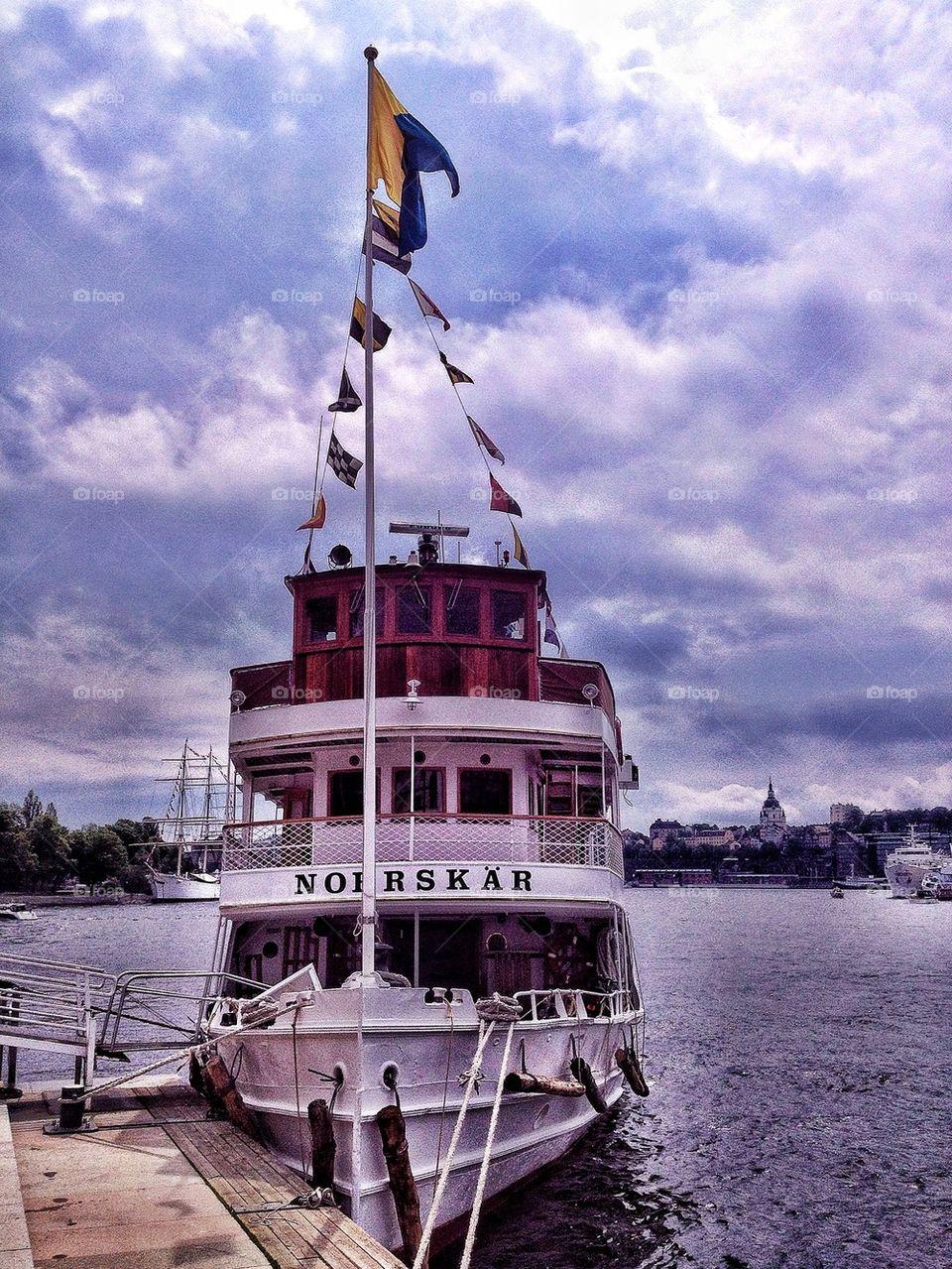 Boat awaiting passangers