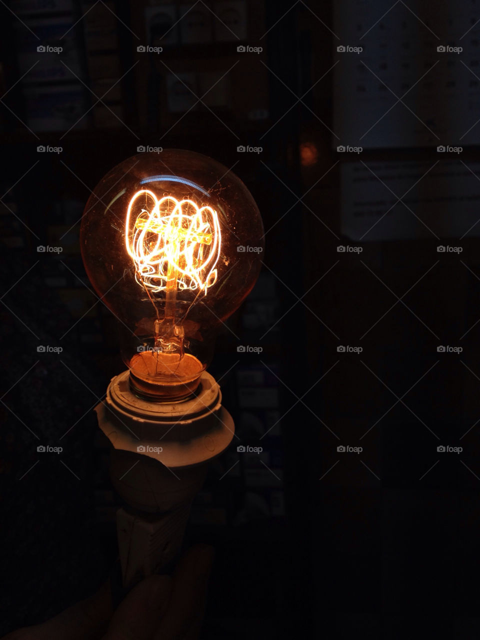 light vintage idea bulb by acio