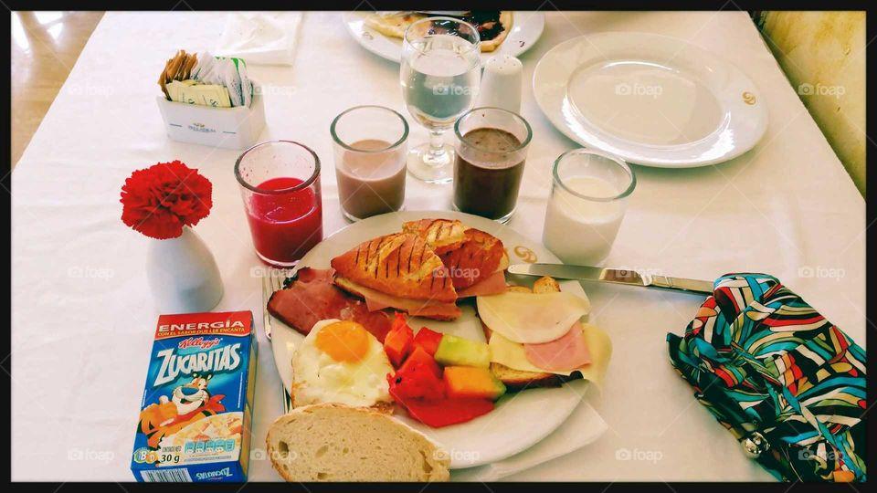 desayuno variado resort