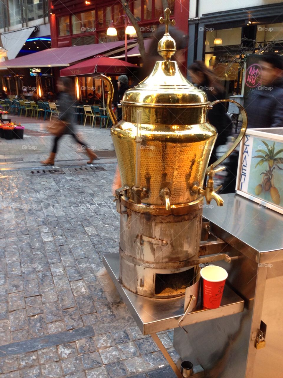 Coffee on the go in Ermou street, Athens, Greece 💙🇬🇷☕️
