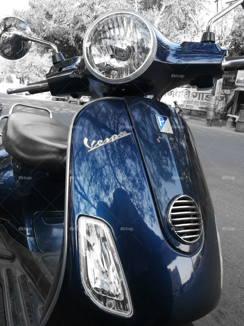 MOBILE PHOTOGRAPHY, Vespa Scooter, Street Photography, Clicked By Honor 6x Pro mode, Colour Splash, On Road Side, Chrome Finish.