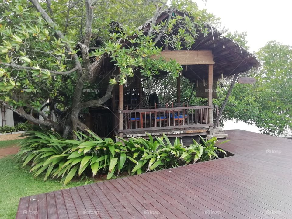 Sitting and dine in areas by the side of the lagoon